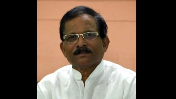 Union Minister Shripad Naik injured in car accident, wife and close aide die