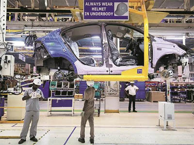 Tata Motors to set up regional stockyards to ensure car delivery in 3 days