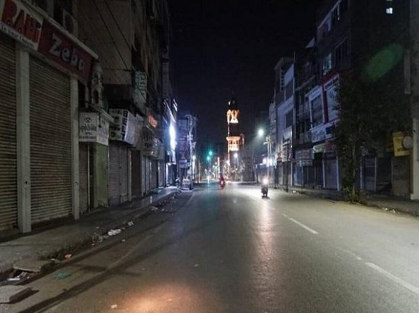 Delhi night curfew: Shops being closed at 8 pm, employees fear job loss